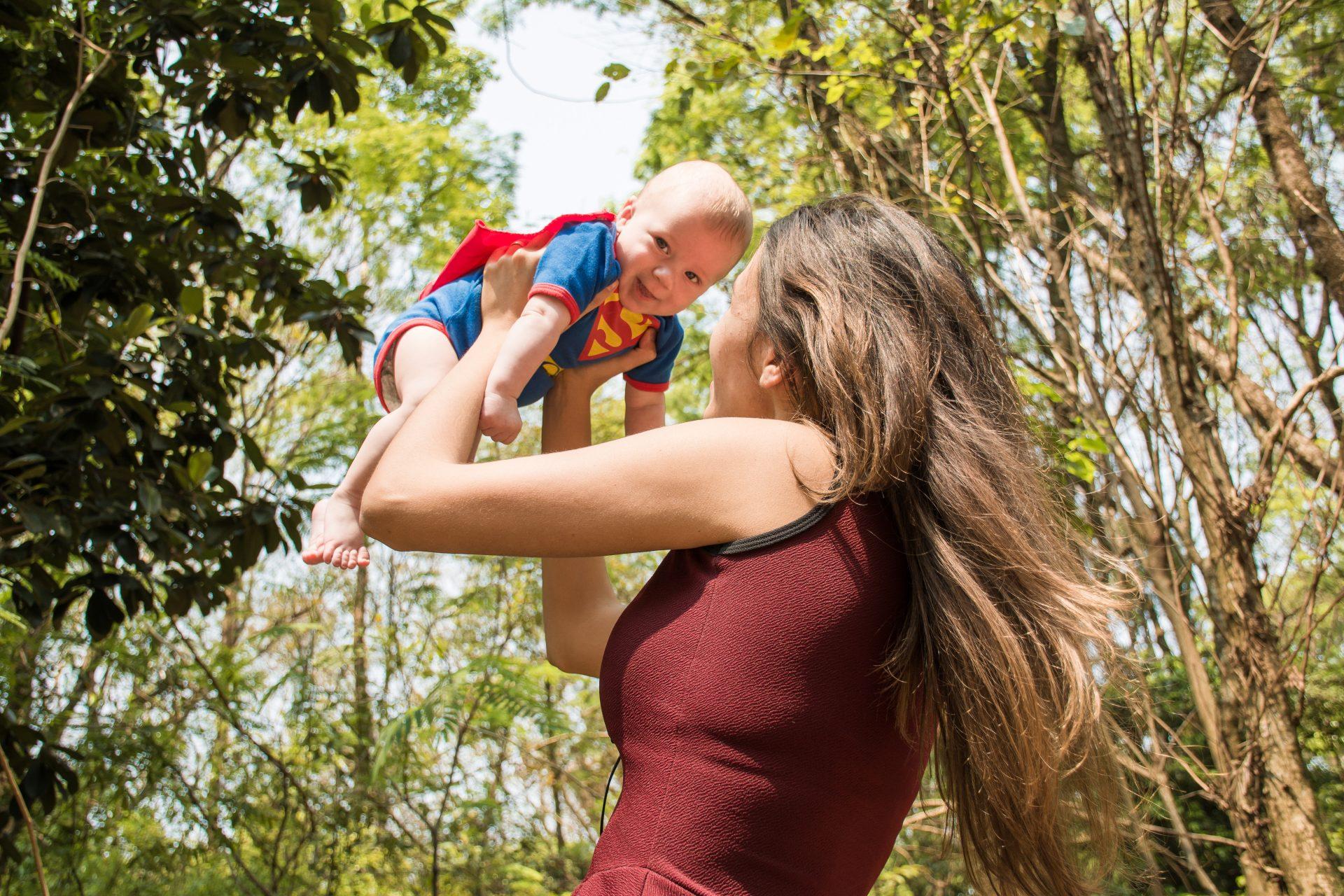 Родительский парадокс: противоположные стратегии – один результат