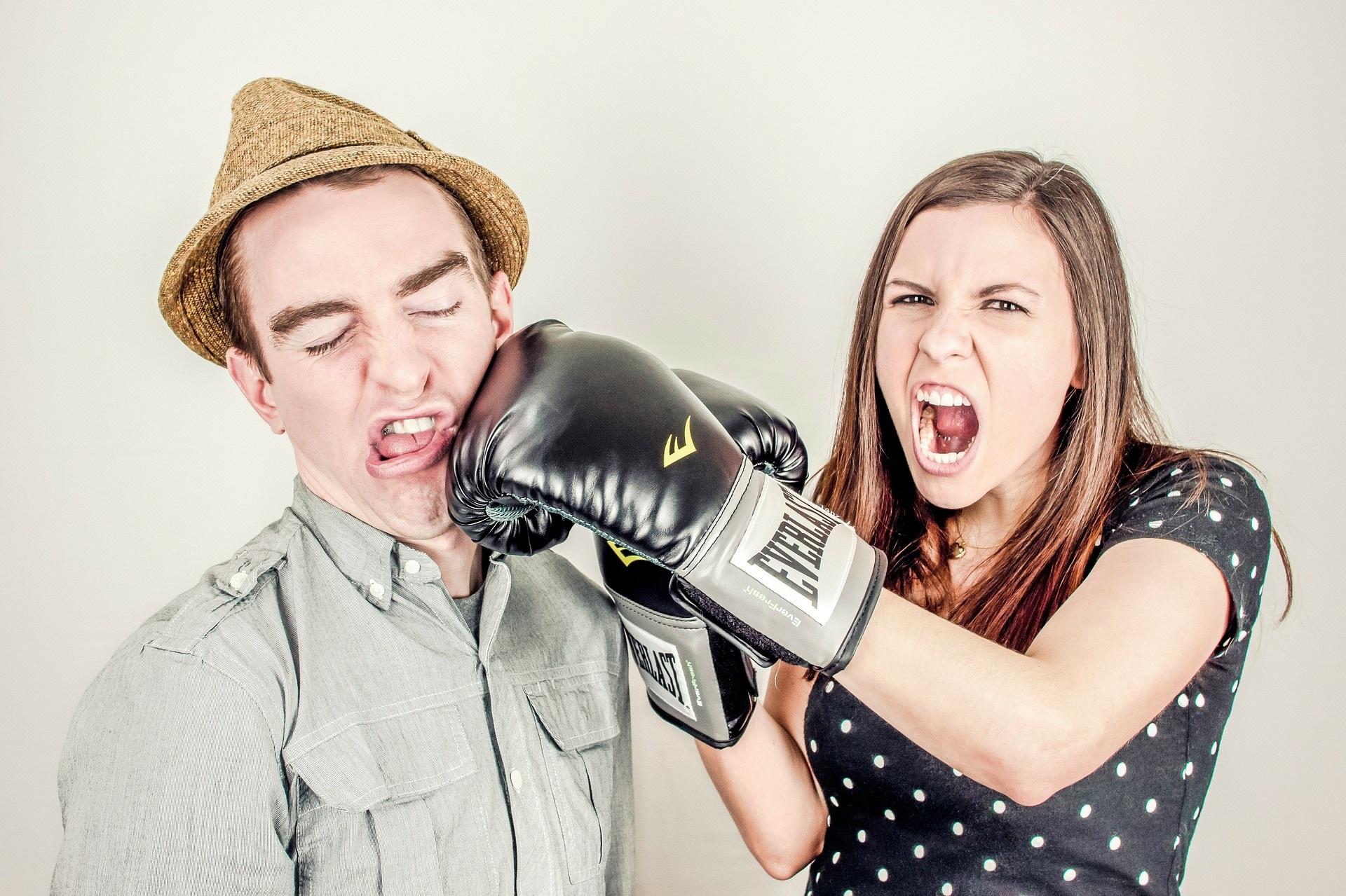 Как работают защитные механизмы во взаимоотношениях?
