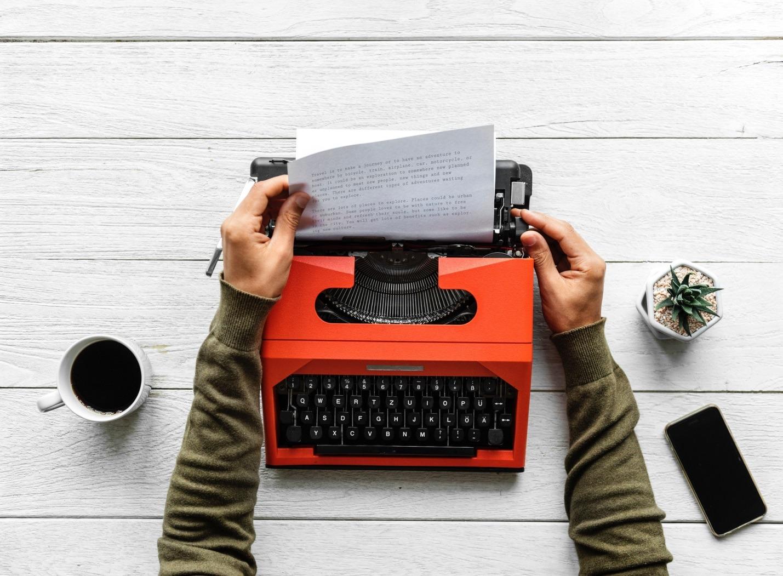 Сила печатного слова: почему мы легко верим прочитанному?