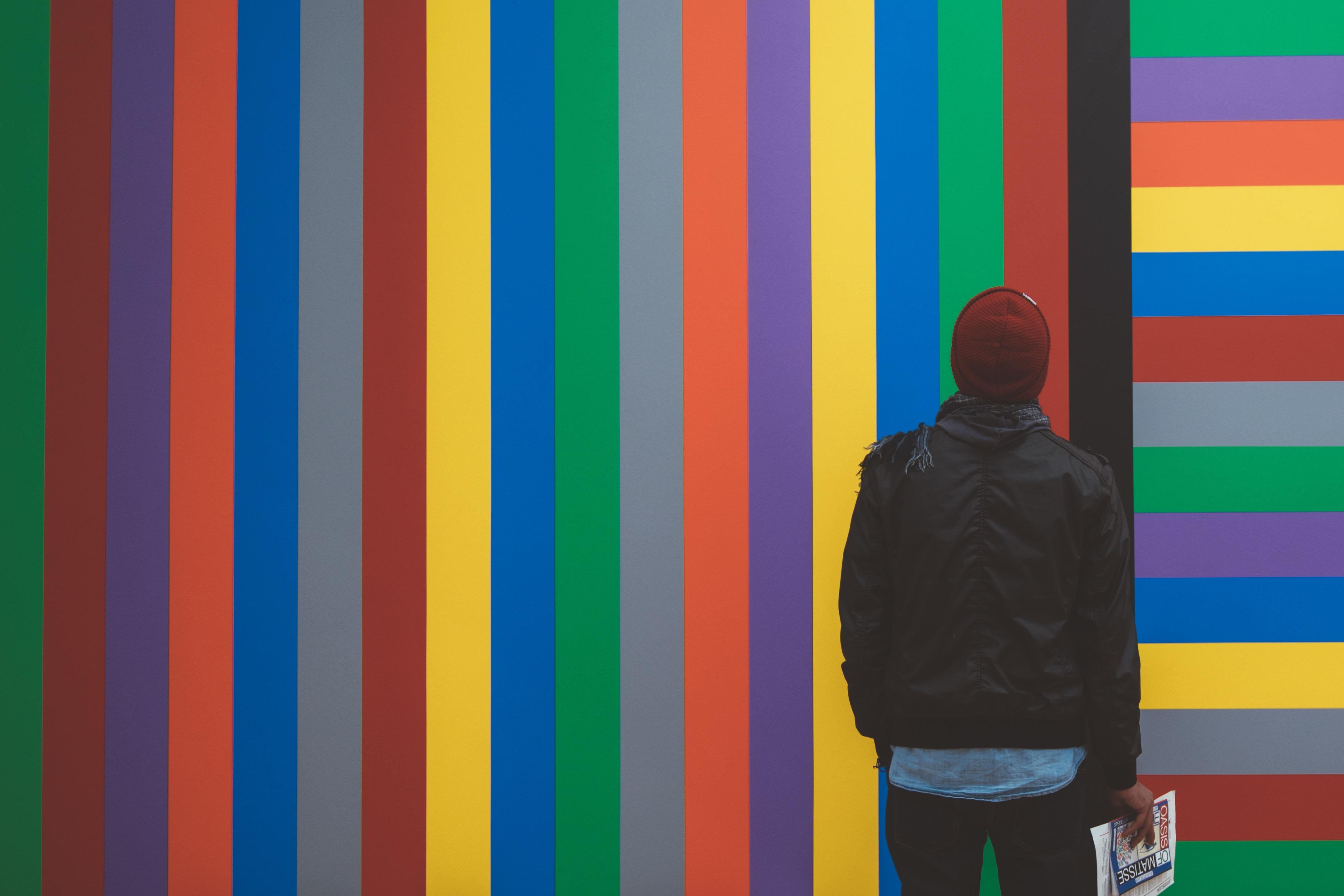 Голубой или светло-синий? Как родной язык влияет на восприятие цвета