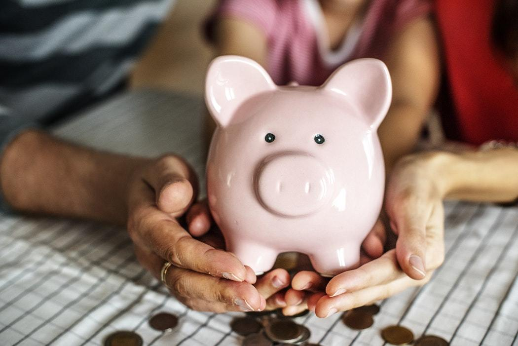 Финансовая социализация: как научить ребенка обращаться с деньгами
