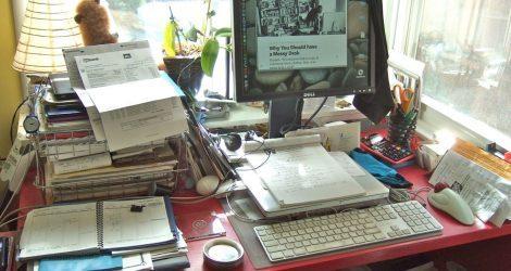 Беспорядок на рабочем столе? Оставьте его в покое!